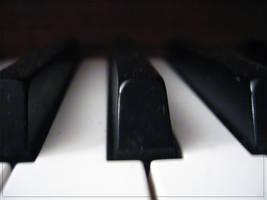 Piano by Kvekke