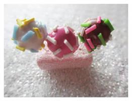Cake Pops by Shiritsu