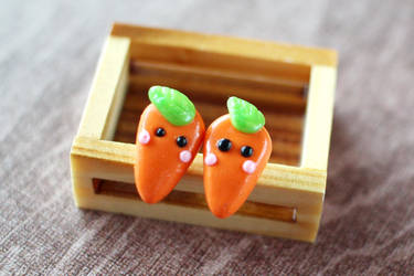 Carrot Earrings by Shiritsu