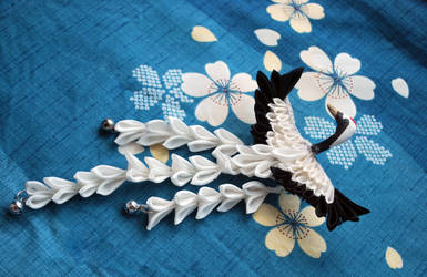 Splendid Crane Hair Clip: Tsuru with Shidare. by hanatsukuri