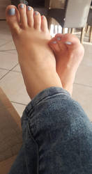 My beautiful Feet by Lemontoes
