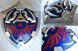 Twilight Princess Hylian Shield - Painted by Rinkujutsu