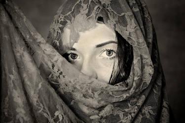 Close portrait of Veronica by zaffonato