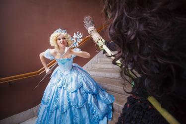 The Wizard of Oz - Glinda vs Elphaba by Molza