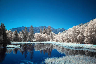 Infrared Lake by mutrus