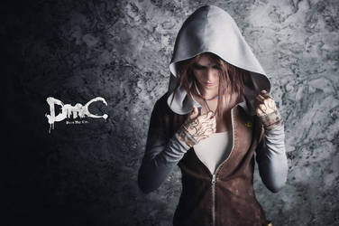 Kat - DmC cosplay (test 5) by LuckyStrikeCosplay