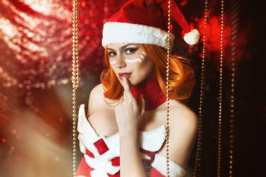 Christmas Lina - Dota 2 cosplay by LuckyStrikeCosplay