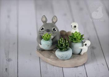 Totoro's garden by Keila-the-fawncat