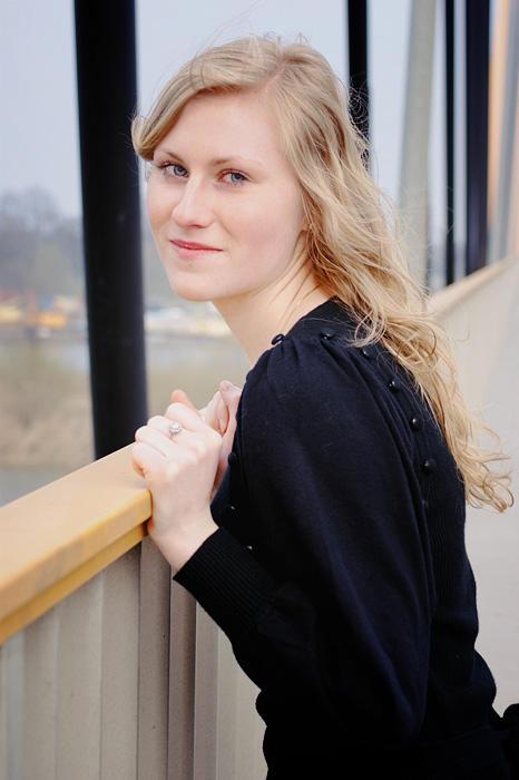 Iza on the bridge IV by ladyang
