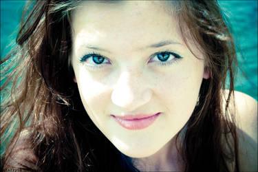 behind blue eyes by Lilianne