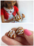 Cinnamon Rolls by thinkpastel