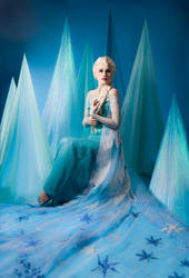 Elsa - Beware the Frozen Heart by Sillizicuni
