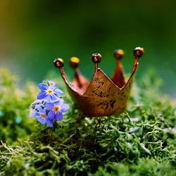 Queen Of Spring by simoendli