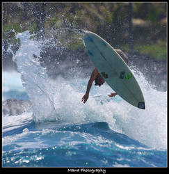 Big Island Surfing by manaphoto