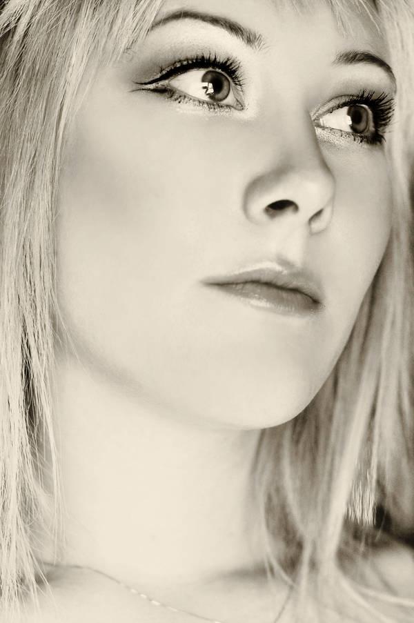 elubelu's Profile Picture