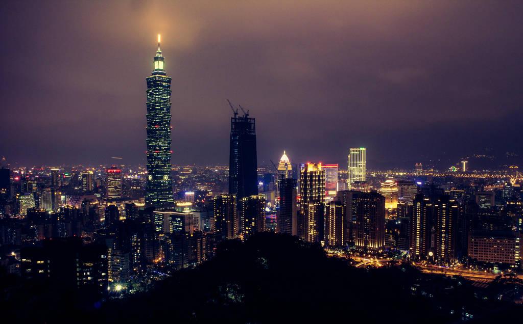 Taipei Nightsky by CatchMe-22