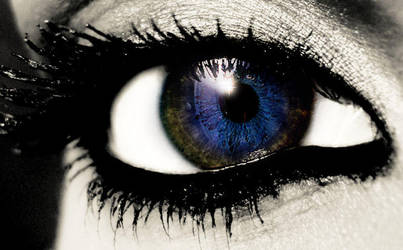 Blue Eye Manip by Michon