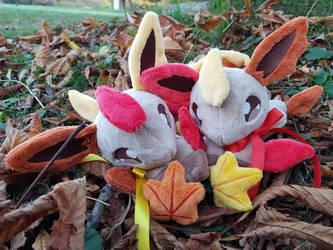 Autumn leafeons by zukori