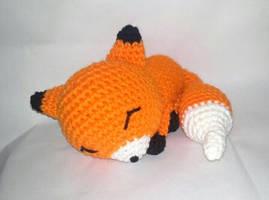 Sleepy fox amigurumi by StitchedLoveCrochet