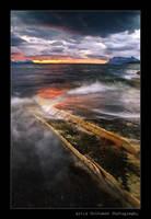 Norwegian Midnight by uberfischer