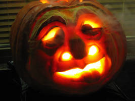 Comedy pumpkin, lit by charlando