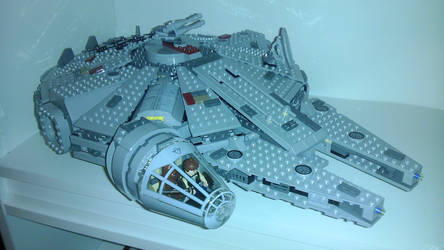 LEGO Star Wars Millennium Falcon 7965 by Marty--McFly