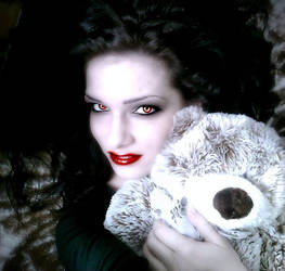Vampire Trixi by Trix92