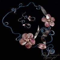Mysteriuos flowers by OlgaC