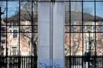 reflected house by Batsceba