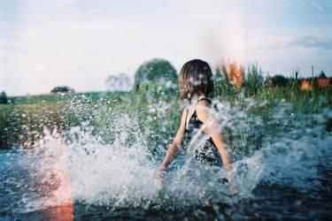 waves of joy by zhenianja