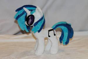 Tiny DJ Pony Plush by KarasuNezumi
