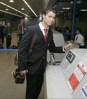 Ronaldo at Manchester Airport by jameselkins