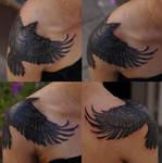 Shoulder crow by strangeris