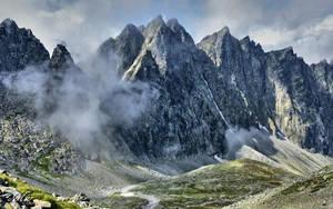 Mountains peaks by miirex