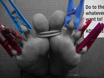 Don't hurt my feet by KarinaDreamer