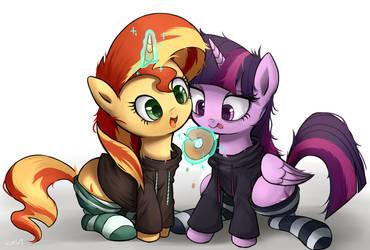 sharing a donut by Bronyraimu