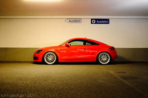 down to the ground: Audi TT by MX-3-Tom