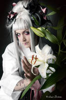 Geisha blanche by Annie-Bertram
