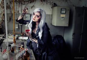 Hypnotized in time by Annie-Bertram