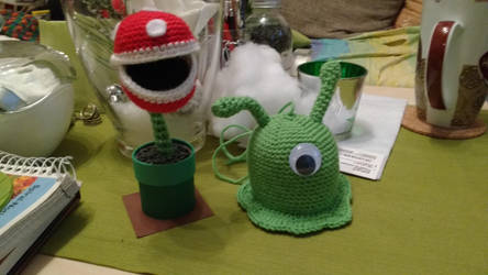 Mario Bros Piranha Plant and Futurama Brain Slug by IrishWolfen