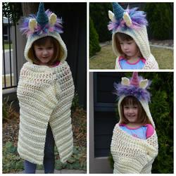 Hooded Unicorn Blankets by AmandaJayne00