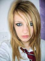 scary school girl. by ExBEAUTY