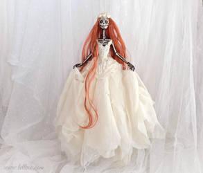 Luna Carmina: The Dark Beauty art doll by LellecoShop