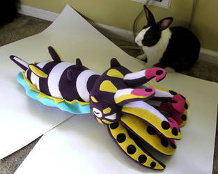Flamboyant cuttlefish (and rabbit) by WeirdBugLady