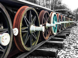 Old train wheels by Inilein