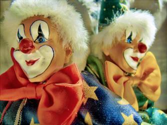 Two clowns by kiokiliant