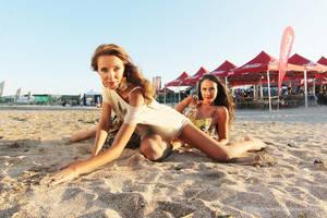 Beach fasion VV3 by nicubunu