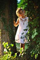 Forest girl by nicubunu