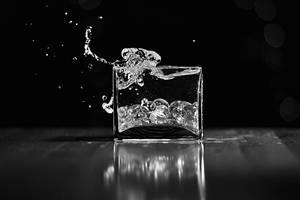 Black splash by nicubunu