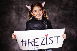 #REZIST by nicubunu